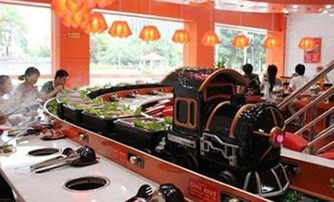 旋转轨道火车头小火锅设备餐桌