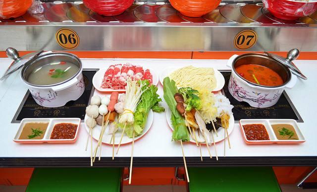旋转自助小火锅五味俱全的吃法